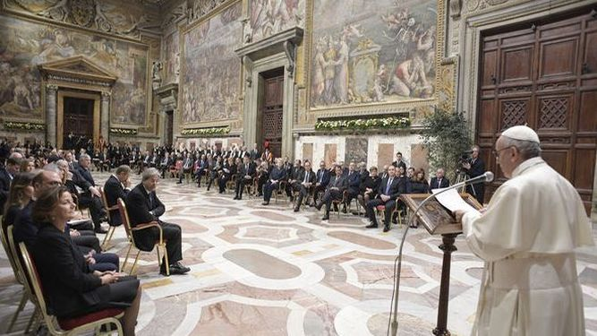 Francisco-Vaticano-OSSERVATORE-ROMANO-AFP_1010911723_125115719_667x375
