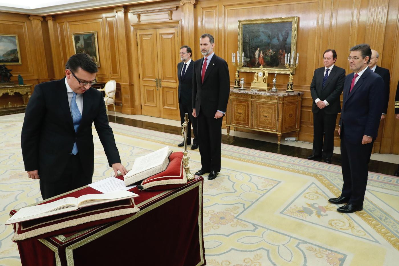 Constitución Archivos Protocolo Y Eventos Carlos Fuente