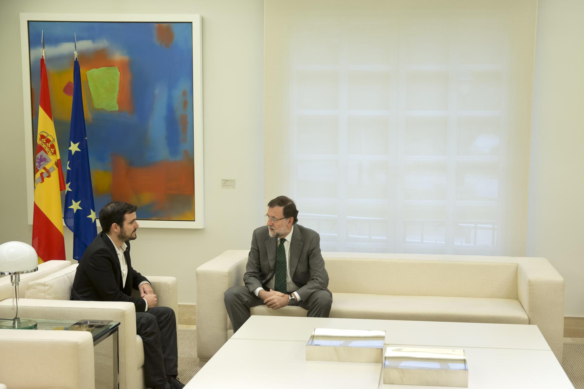 02/11/2015 Madrid, España El Presidente del Gobierno, Mariano Rajoy, recibe al dirigente de Izquierda Unida Alberto Garzón Fotografía: Diego Crespo / Moncloa Presidencia del Gobierno
