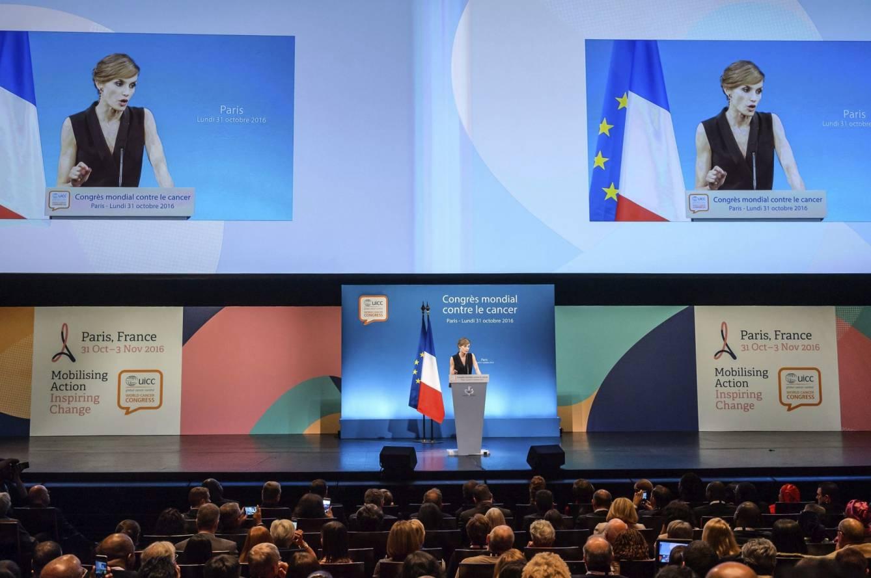 la-reina-preside-el-congreso-mundial-contra-el-cancer-en-paris